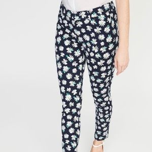 Old navy pixie pants navy with daisies nwt size 4